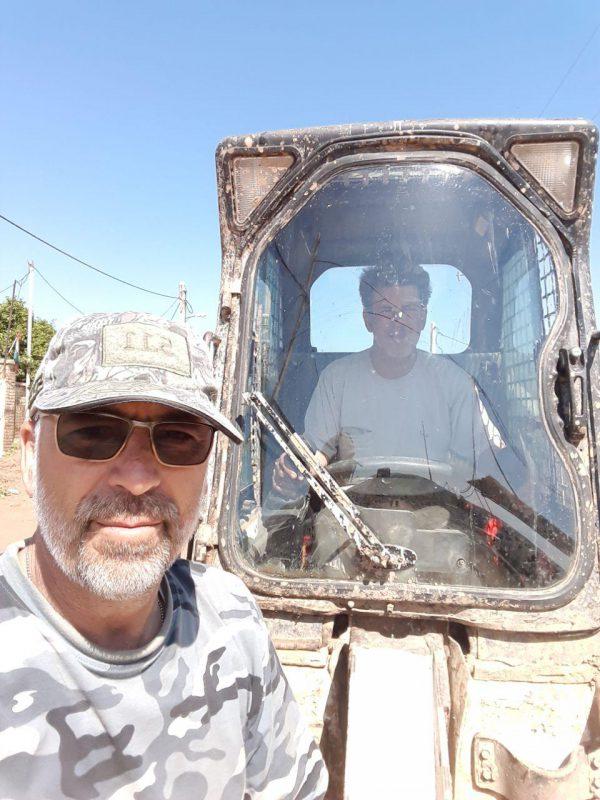 سیل پایان یافت اما کمک به سیل زده ها پایان نیافته است حضور نیروهای شهرداری الونددرمناطق سیل زده(به روایت تصویر)